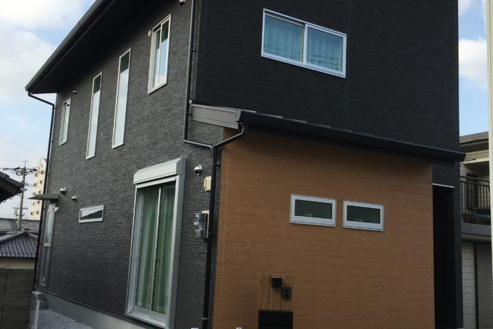北九州市門司区「家事動線にこだわったモノトーンの家」