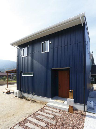 北九州市小倉南区「ウッドデッキがあるガルバの家」