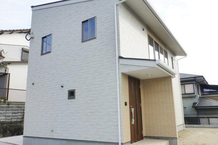 北九州市小倉北区「リビングに仏間のある家」