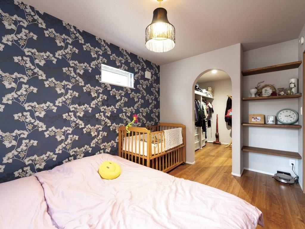 1階に設けた6帖の寝室+3帖のWIC