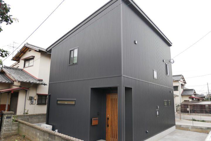 北九州市小倉南区「吹抜けのあるシンプルモダンな家」