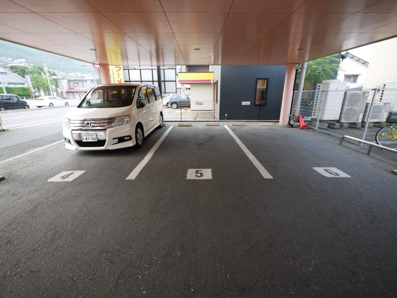 イーホーム駐車場