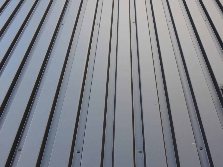 ガルバリウム鋼板ってどんな素材?