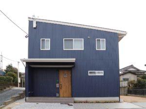 北九州工務店で建てたシンプルな片流れ屋根の家