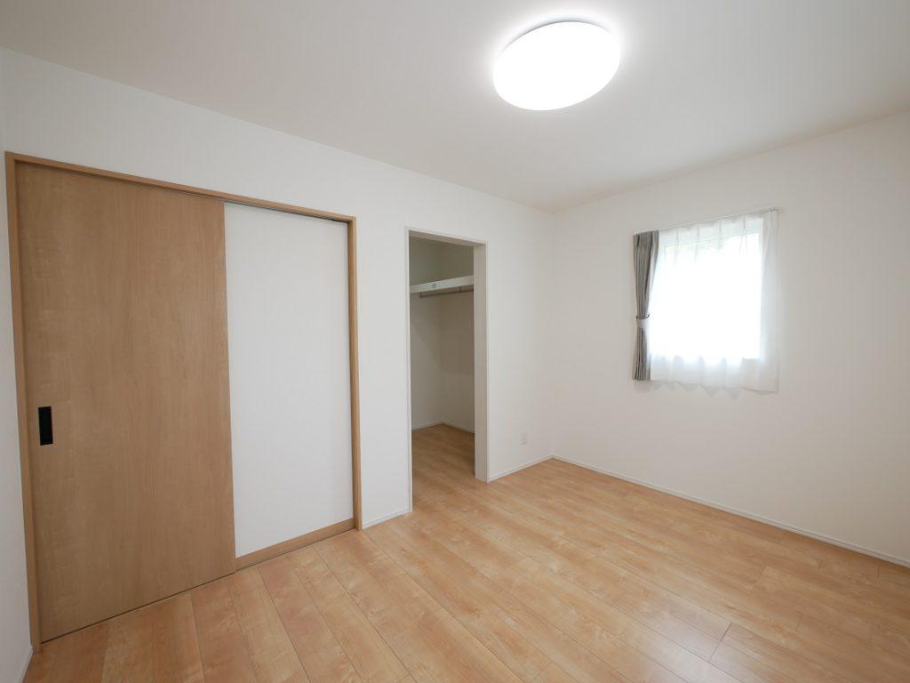 イーホームが施工した子育て住宅の寝室写真