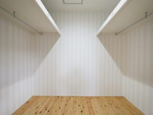 北九州市小倉南区ガルバの平屋の家の寝室収納