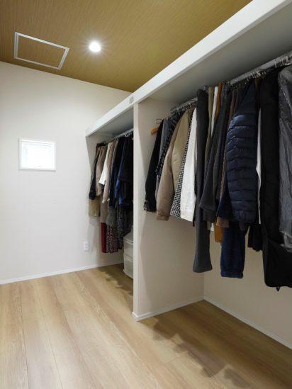 北九州市小倉南区「洗濯動線につながるファミリークローゼットがある家」