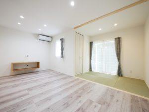北九州市小倉南区「狭小地に建つ適所収納が光る家」の和室