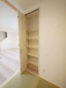 北九州市小倉南区「狭小地に建つ適所収納が光る家」の和室収納