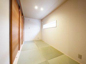 【北九州のイーホーム】玄関から入れる小上がり和室の施工事例