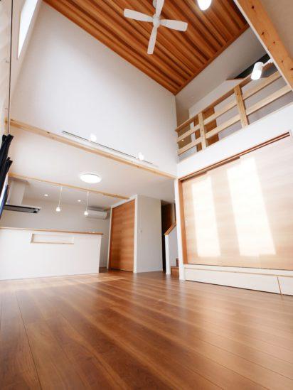 北九州市小倉南区「小上がり和室と明るい吹抜けのある家」