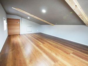 【北九州のイーホーム】固定階段ロフトの施工事例